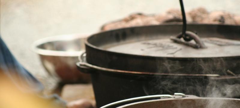 koken op kampvuur 1